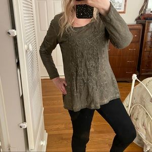 AMBRIA Long Sleeved Front Stitching Tunic Top